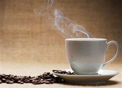 Nemojte piti kafu između 8 i 9 sati ujutru!