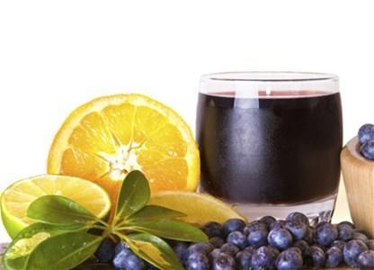 Napravite domaći sirup od borovnica, malina ili kupina